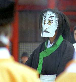 平安神宮の方相氏。京の住人便り「http://www.hi-ho.ne.jp/kyoto/」より